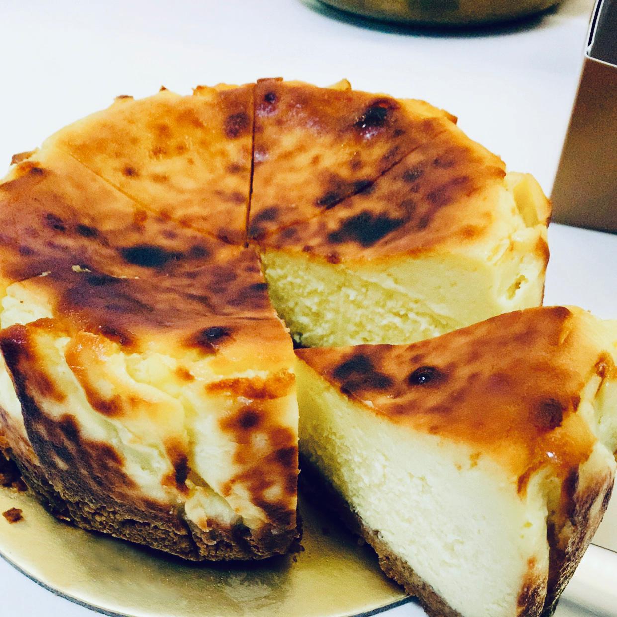 Burnt-Cheesecake-1.jpg